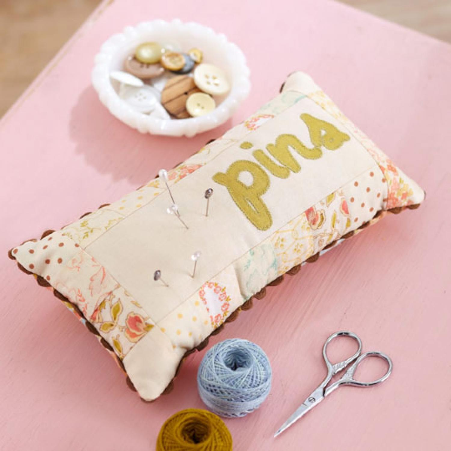 How to Choose and Use Sewing Pins