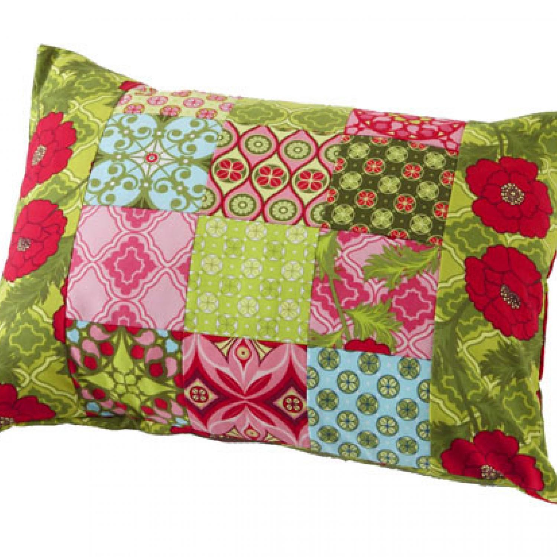 Quilt Patterns Pillowcases : Patchwork Pillow AllPeopleQuilt.com