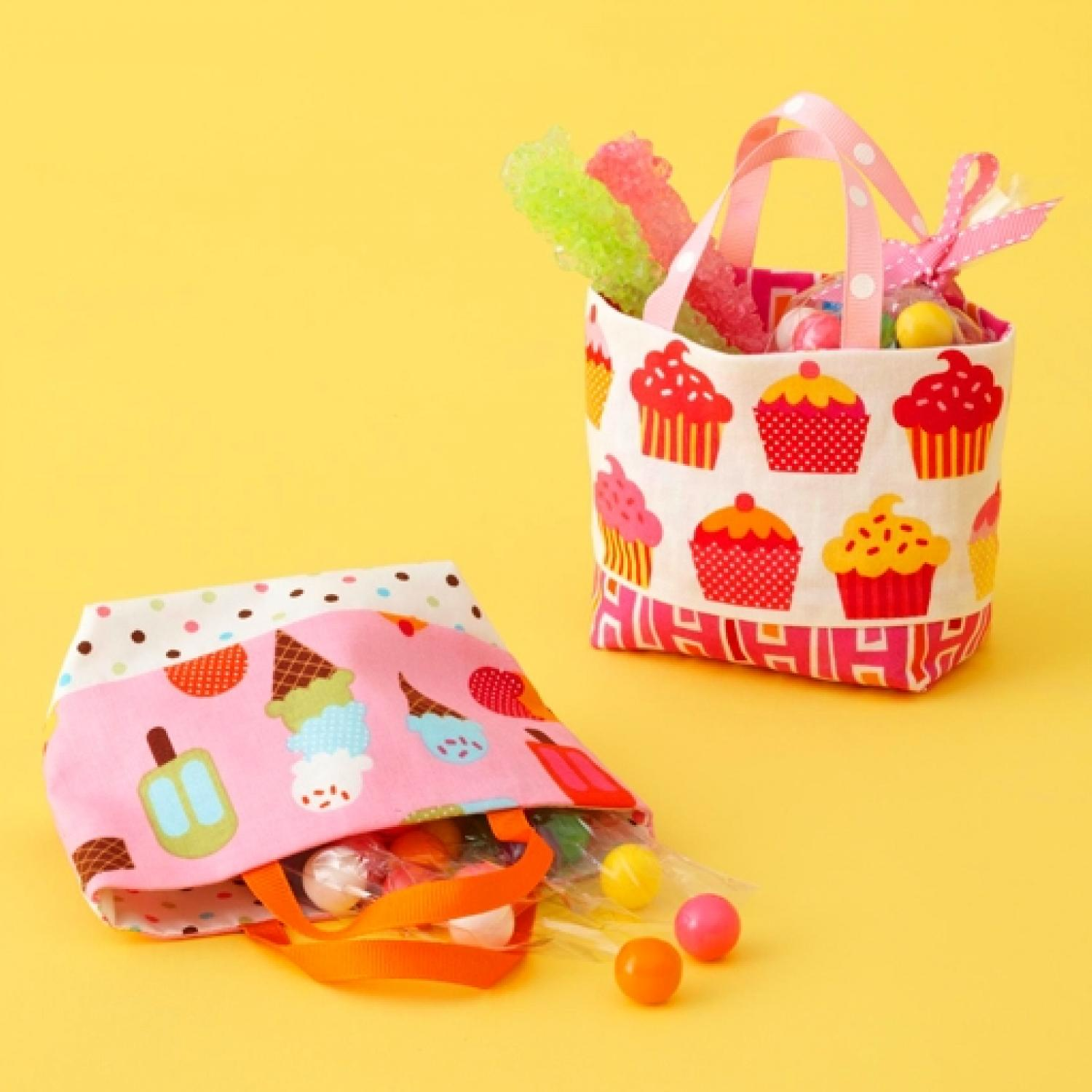 Small treat totes allpeoplequilt jeuxipadfo Choice Image