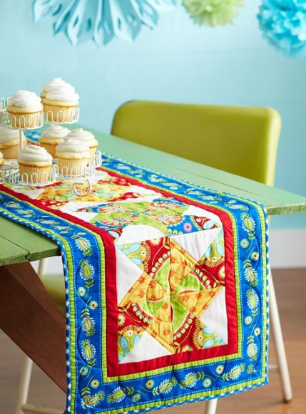 Magnificent Free Table Runner Patterns Allpeoplequilt Com Home Interior And Landscaping Eliaenasavecom