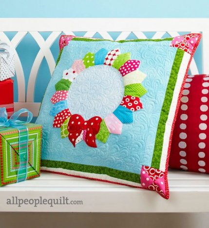 Holiday Sewing Projects   AllPeopleQuilt.com