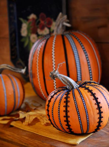 Decorate Pumpkins With Sewing Supplies Allpeoplequilt Com