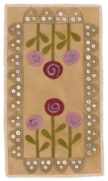 Posies Wool Table Mat Allpeoplequilt Com