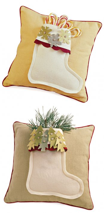 Comfort And Joy Stocking Pillows Allpeoplequilt Com