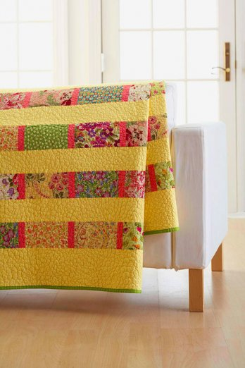 Easy Quilt Patterns For Twin Beds : Fat Quarter Twin Bed Quilt AllPeopleQuilt.com