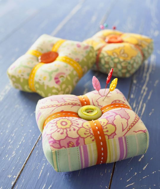 On Pins Amp Needles Pincushion Allpeoplequilt Com